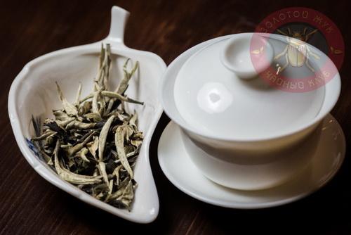 белый чай Ю Э Гуан Бай